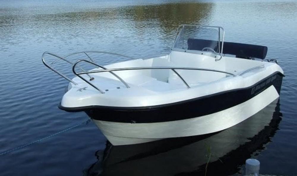Rental Motorboat Mareti with a permit