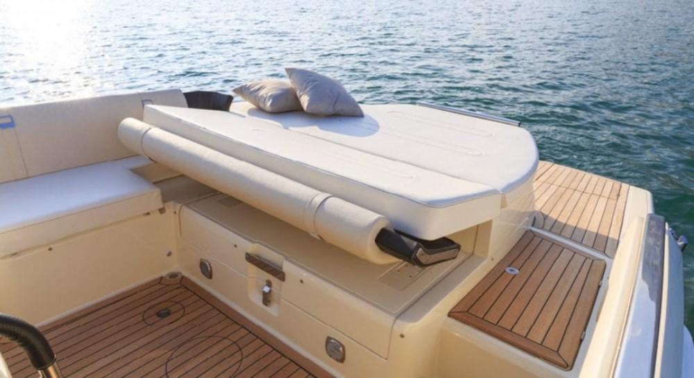 Boat rental Maó cheap Invictus 280 TT