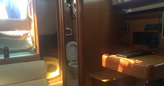 Rental yacht La Trinité-sur-Mer - Jeanneau Sun Odyssey 36i Performance on SamBoat