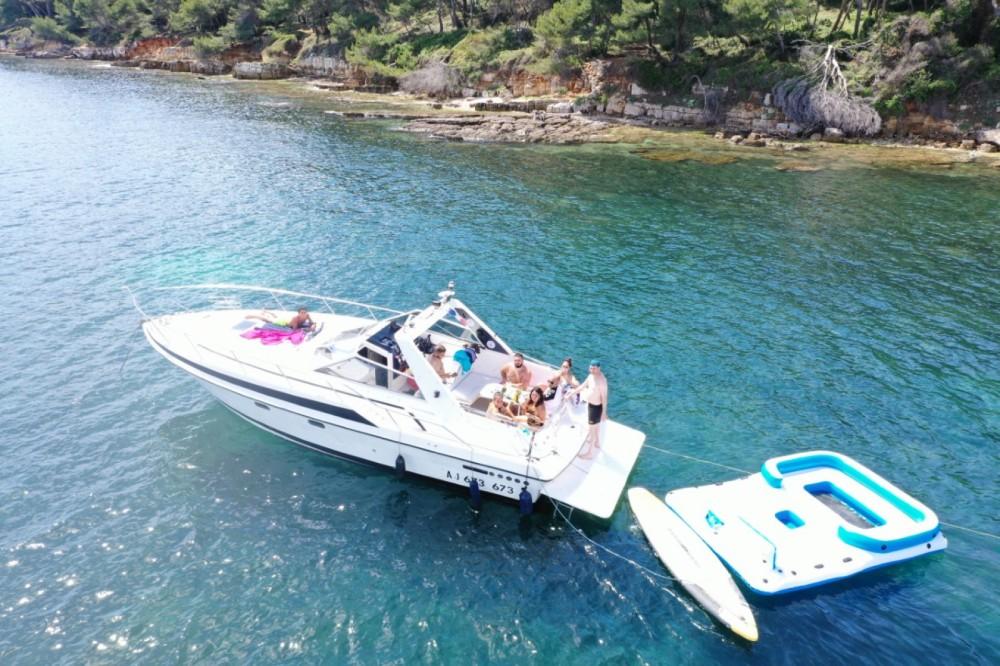 Boat rental Sunseeker san remo 33 in Cannes on Samboat