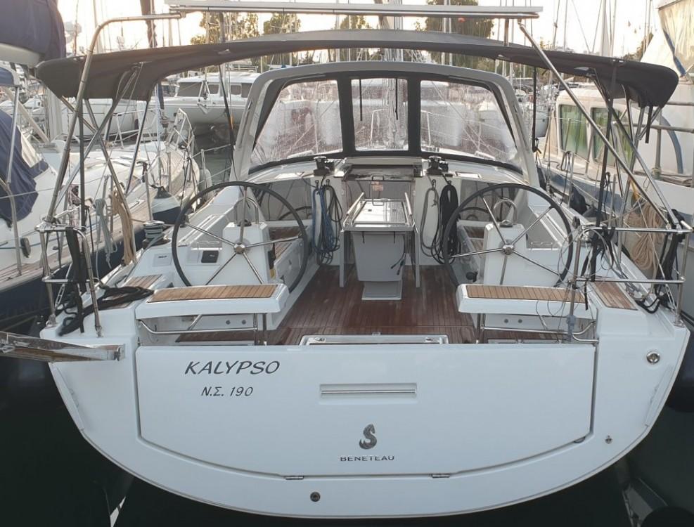 Rental Sailboat in Álimos - Bénéteau Oceanis 411