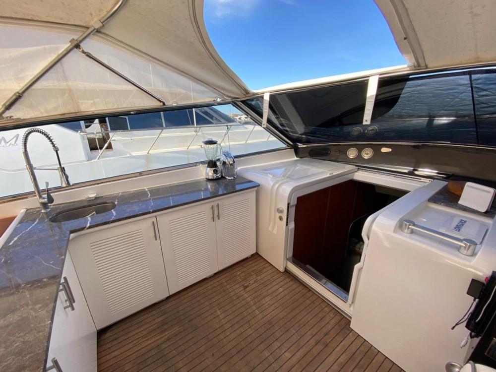 Rental Yacht in Allyene عليين - Leopard Leopard 72 Sport