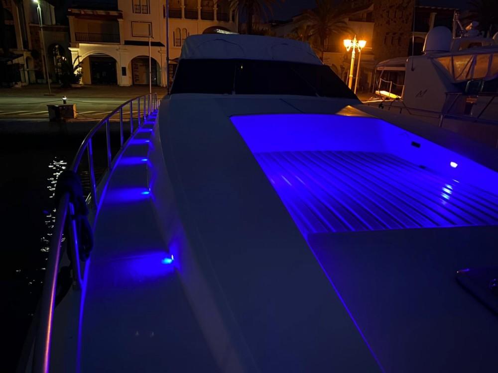 Boat rental Leopard Leopard 72 Sport in Allyene عليين on Samboat