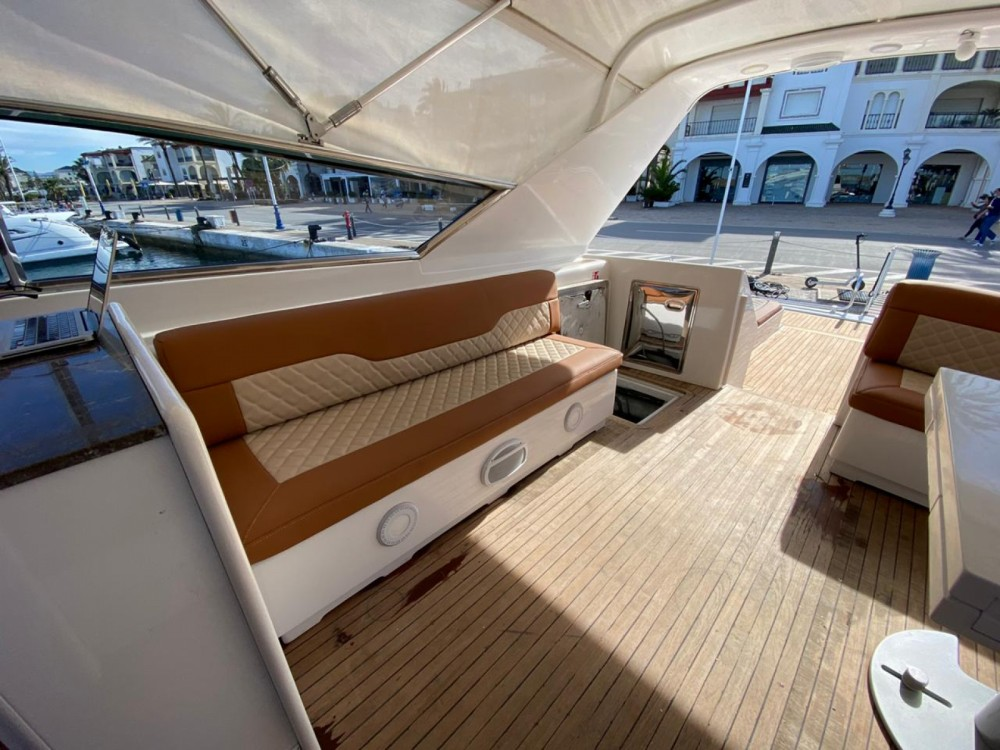 Yacht for rent Allyene عليين at the best price