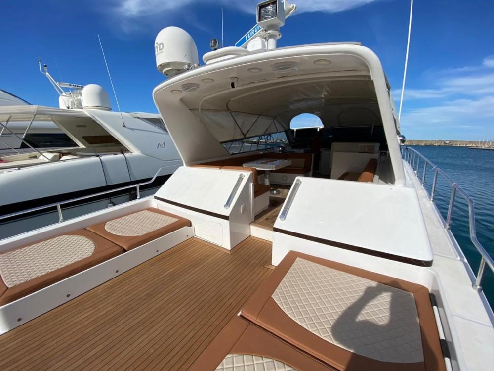 Boat rental Allyene عليين cheap Leopard 72 Sport
