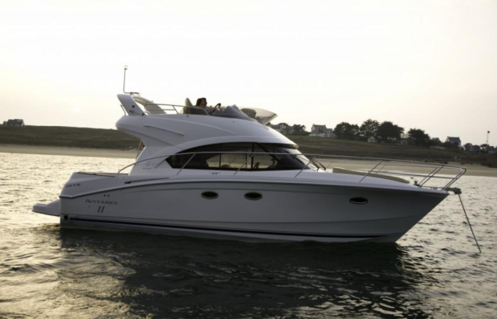 Boat rental Bénéteau antares 36 in Bandol on Samboat