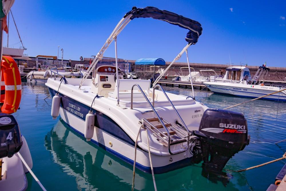 Boat rental Salerno cheap almar 190