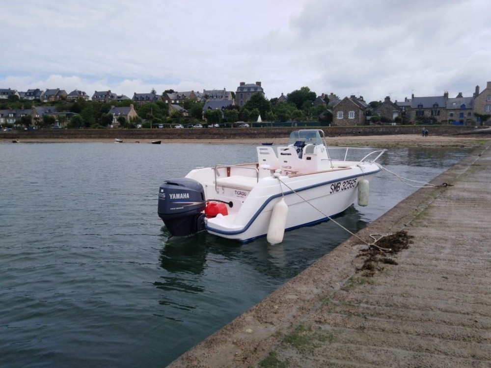 Boat rental Bénéteau Flyer 570 in Dinard on Samboat