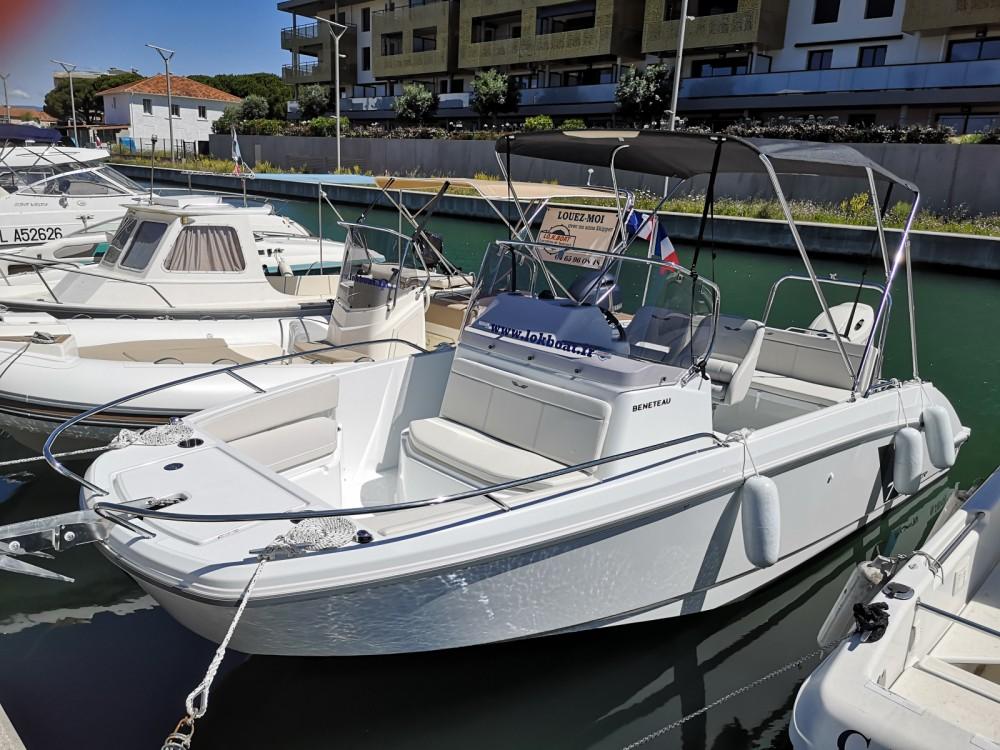 Boat rental Fréjus cheap Flyer 7 SPACEdeck