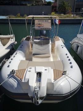Boat rental Capelli Tempest 700 Sun in Fréjus on Samboat