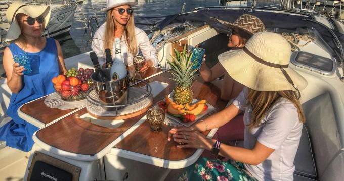 Rental Sailboat in La Spezia - Bénéteau Oceanis 40