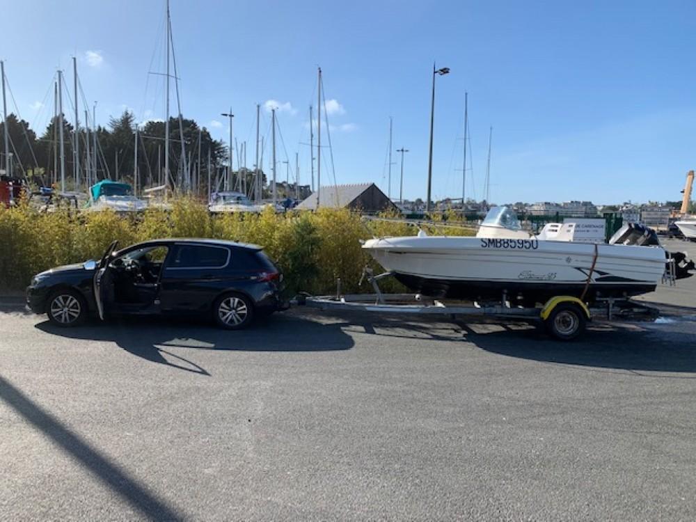 Rental Motorboat in Plérin - Jeanneau Cap Camarat 515 CC