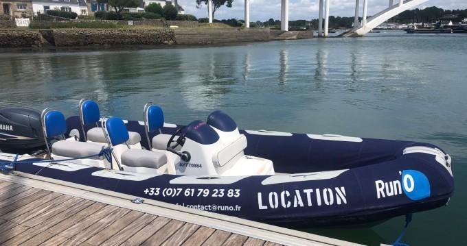 Boat rental Avon Adventure 6,20 in La Trinité-sur-Mer on Samboat