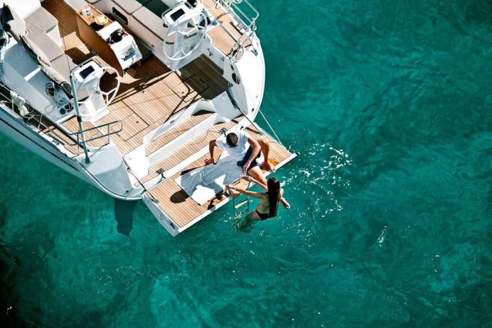 Boat rental Jeanneau Sun Odyssey 42 in Barcelona on Samboat