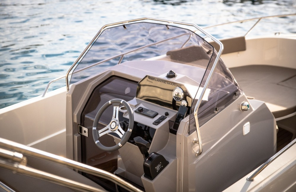Rental Motorboat in Podgora - Atlantic Open 670