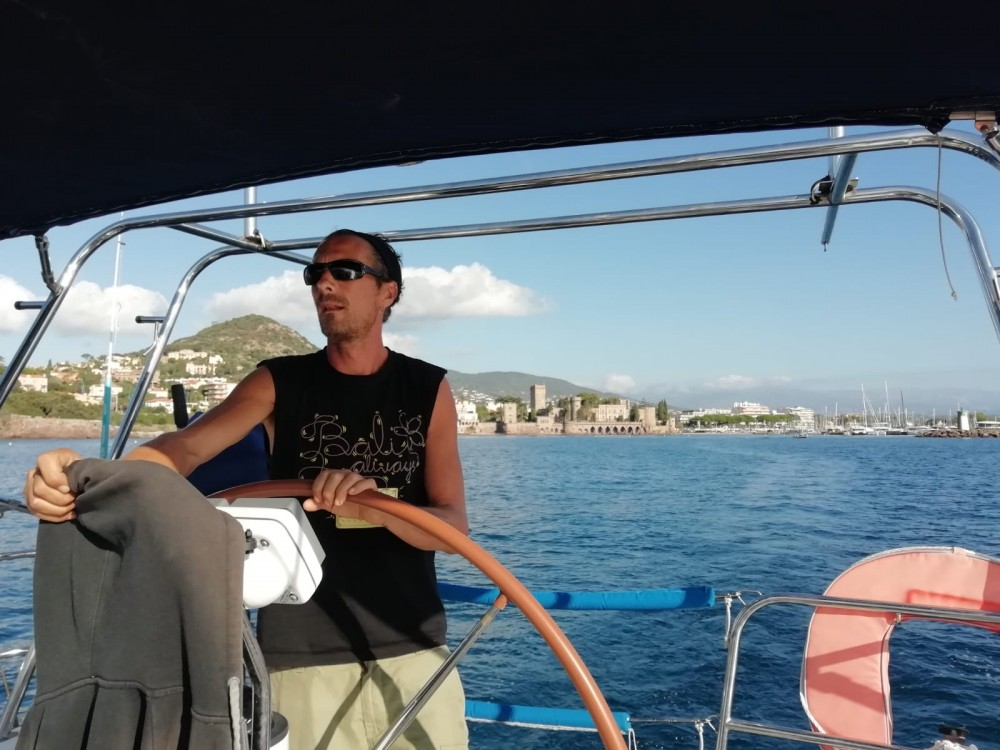 Rental Sailboat in Mandelieu-la-Napoule - Jeanneau Sun Odyssey 36i