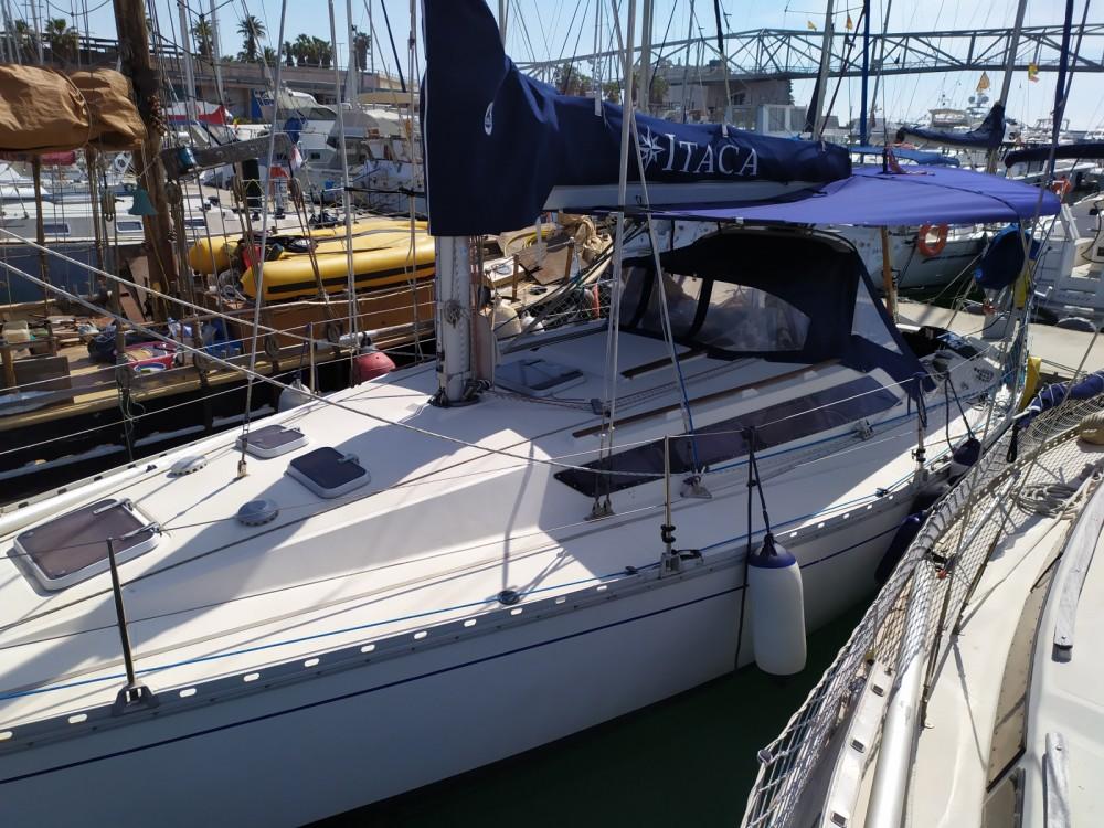 Rental Sailboat in Barcelona - Jeanneau sun shine 36