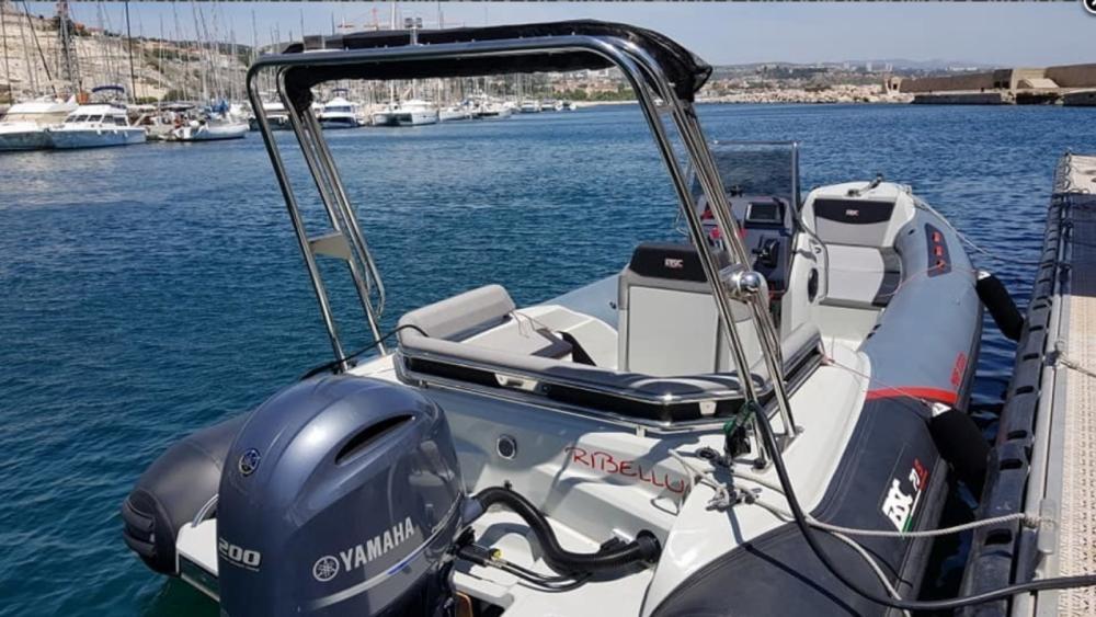 Boat rental Bsc BSC 70 Sport in Marseille on Samboat