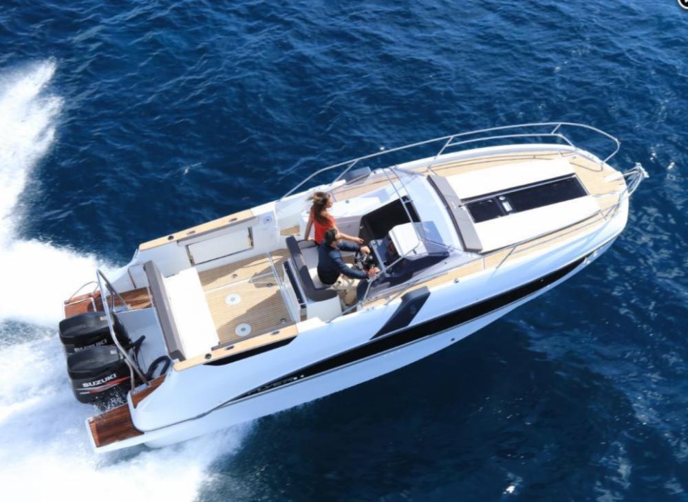Boat rental Marseille cheap Flyer 8.8 SUNdeck