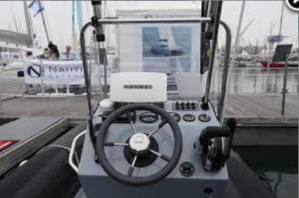 Boat rental Valiant Valiant 550 Sport Fishing in Marseille on Samboat