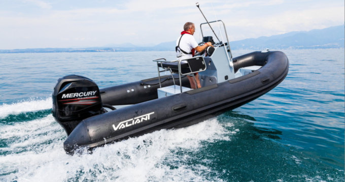 Valiant Valiant 550 Sport Fishing between personal and professional Marseille