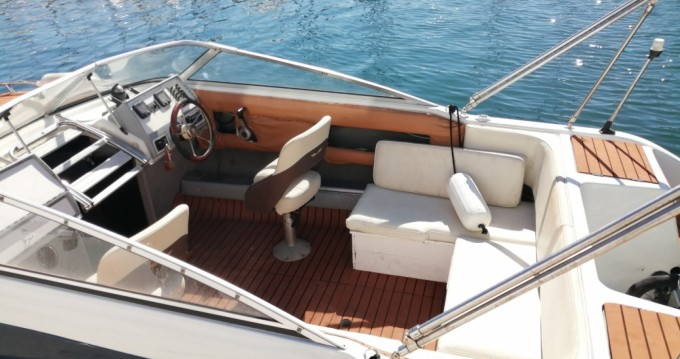 Hire Motorboat with or without skipper Four Winns Marseille