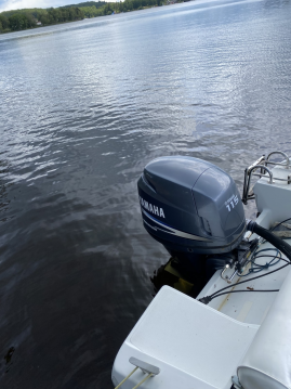 Motorboat for rent Montsauche-les-Settons at the best price