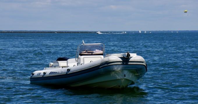 Boat rental Bsc BSC 75 in Lège-Cap-Ferret on Samboat