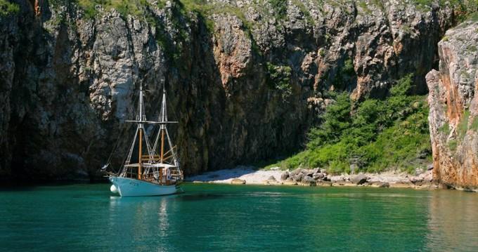 Rental Motorboat in Crikvenica - GAJETA EX-LIFEBOAT