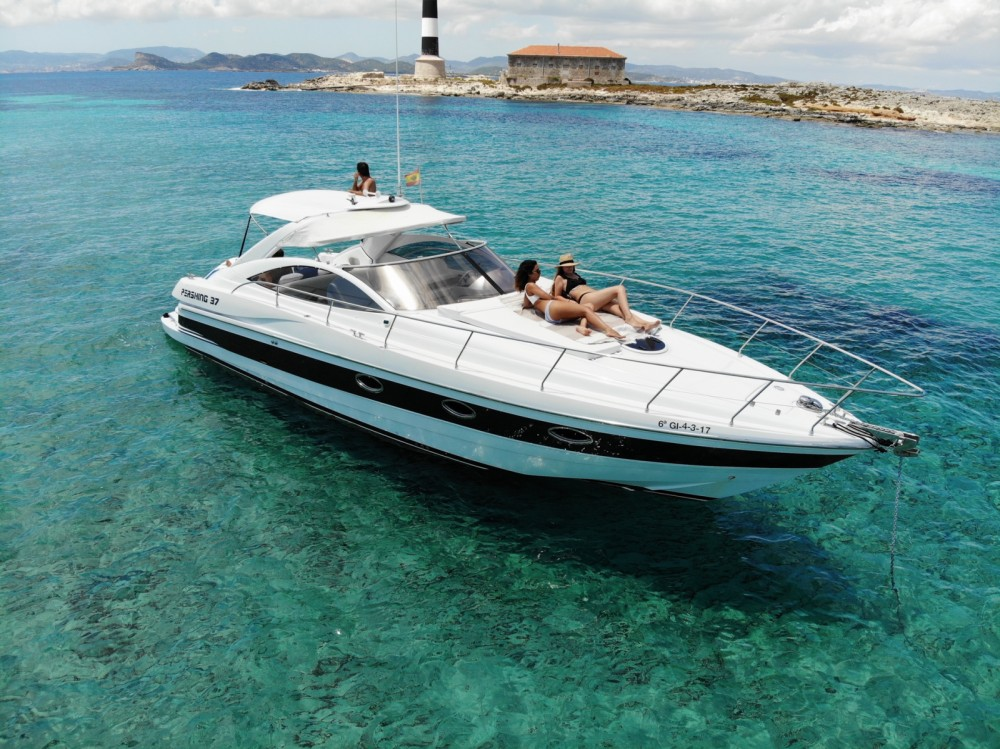 Hire Motorboat with or without skipper Pershing Balearic Islands