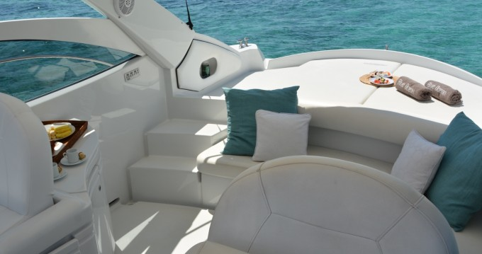 Hire Motorboat with or without skipper Pershing Ibiza Town