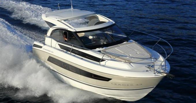 Rental Motorboat in Hyères - Jeanneau Leader 33 Sportop