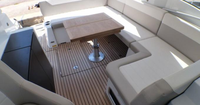 Boat rental Jeanneau Leader 33 Sportop in Hyères on Samboat