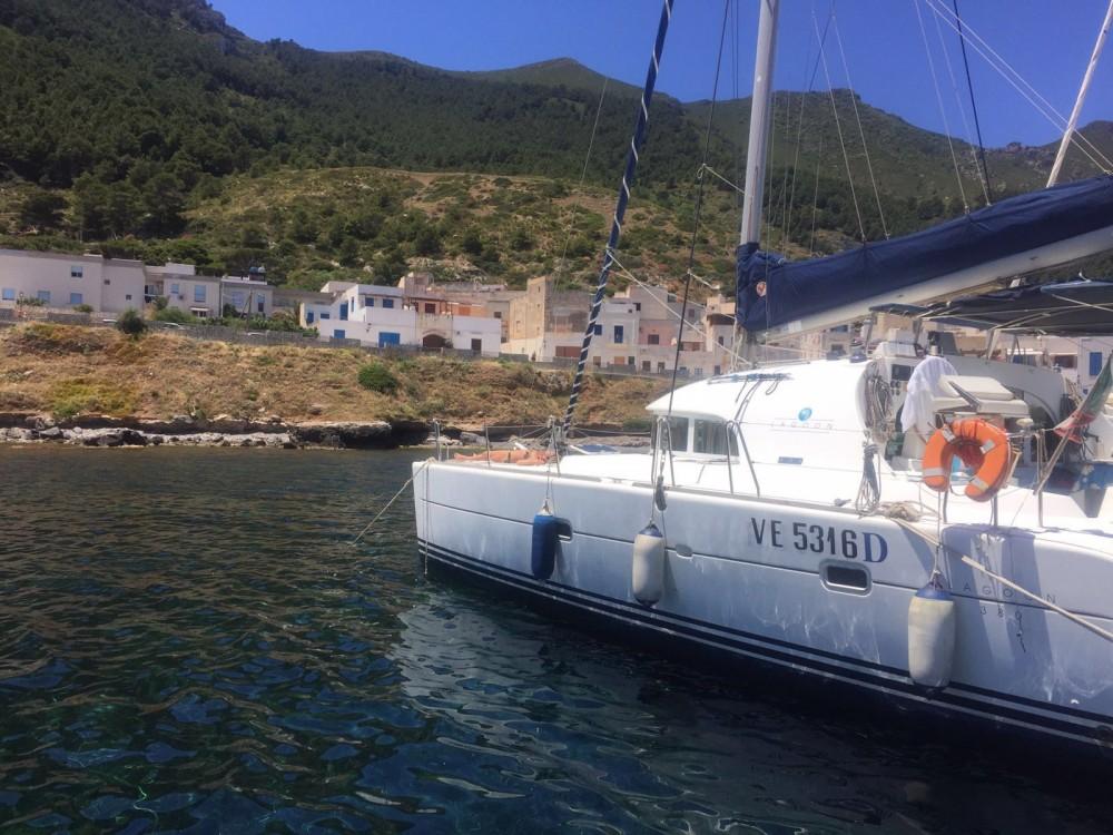Boat rental Furnari cheap 380