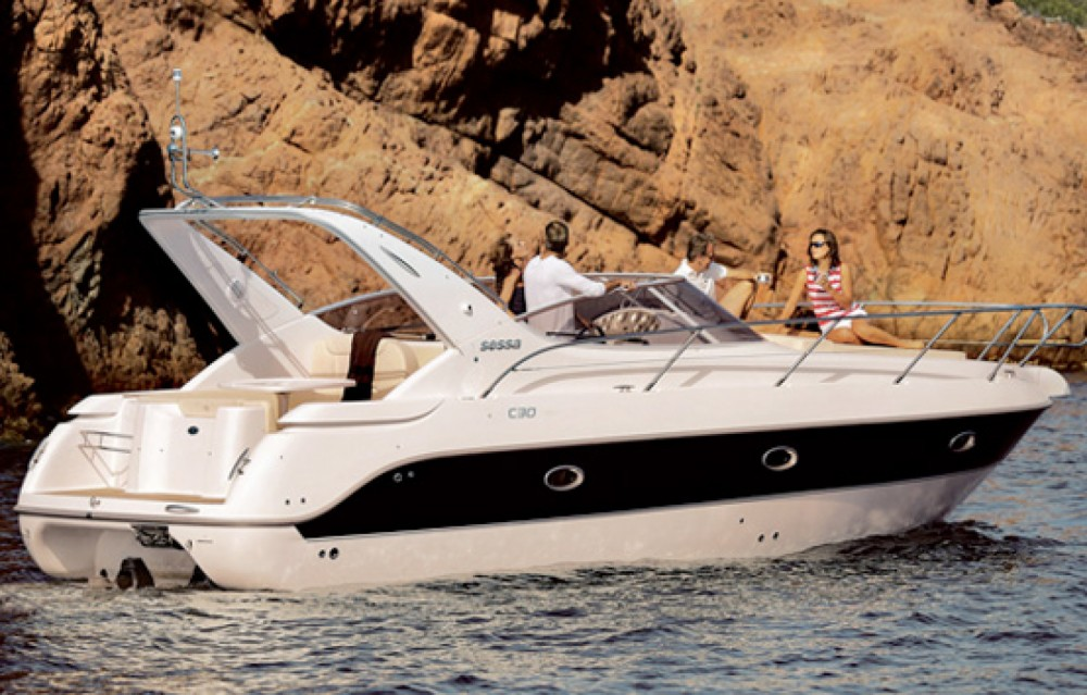 Hire Motorboat with or without skipper Sessa Marine Barcelona