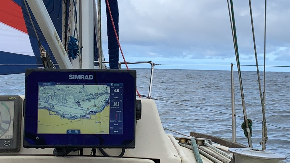 Hire Sailboat with or without skipper Bénéteau Hendaye