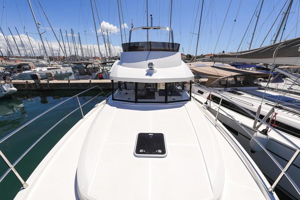 Boat rental Bénéteau Swift Trawler 35 in Croatia on Samboat