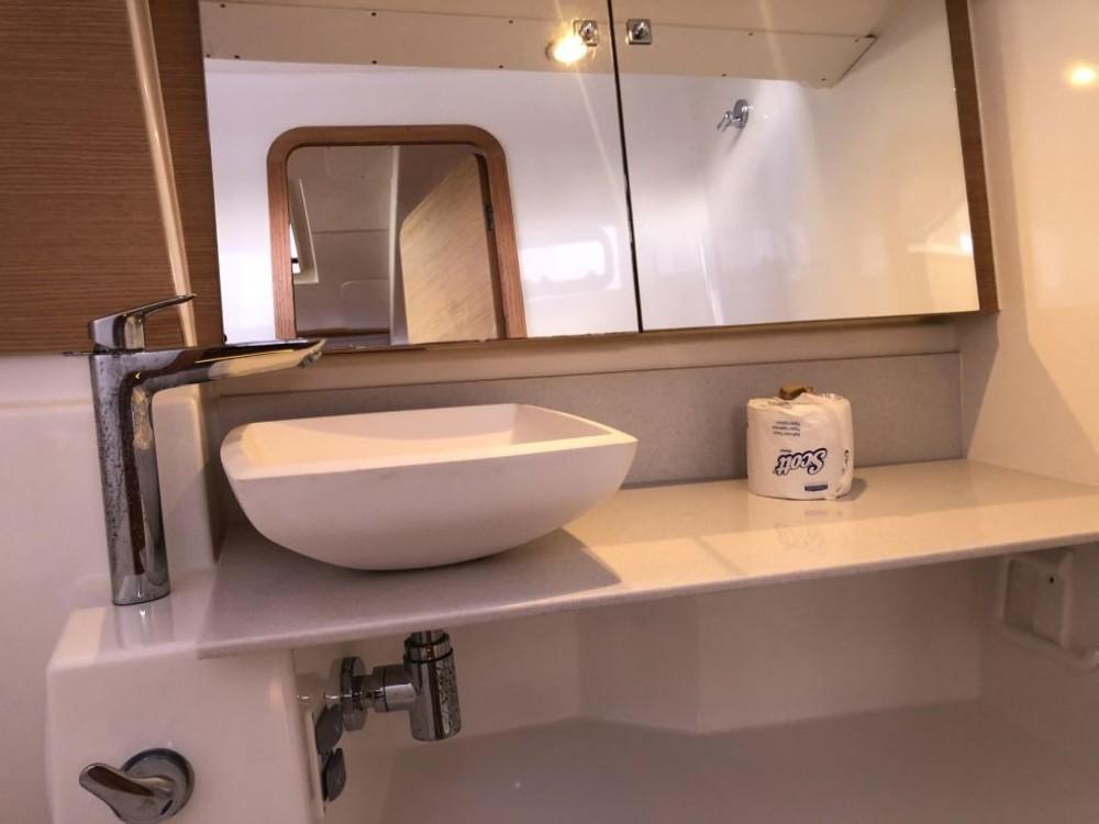 Boat rental US Virgin Islands cheap Dufour 412