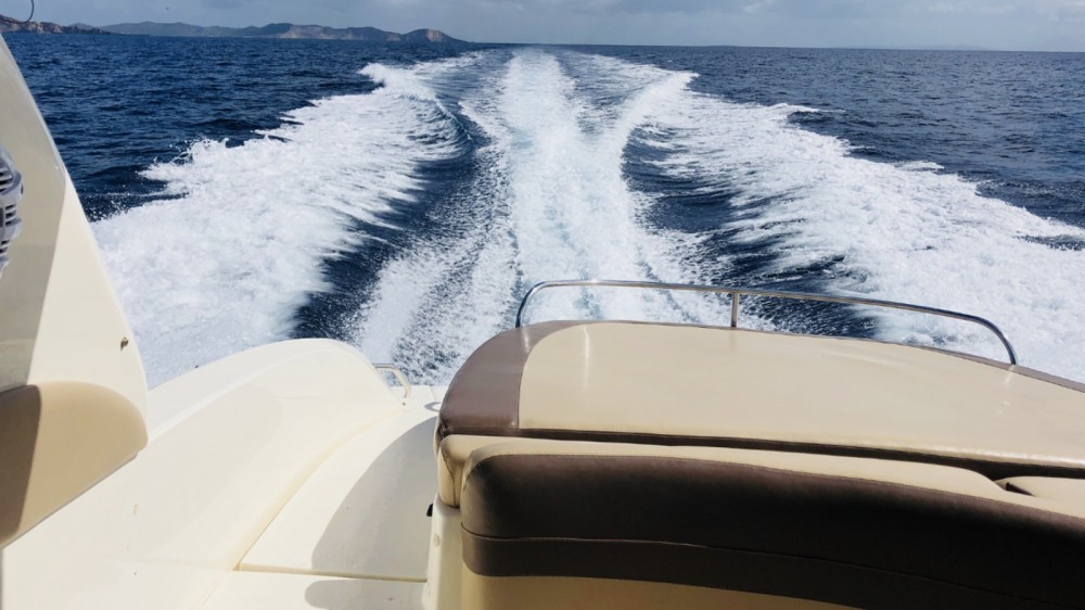 Rental Motorboat in Îles Baléares - Sea Ray Sea Ray 295 Bow Rider