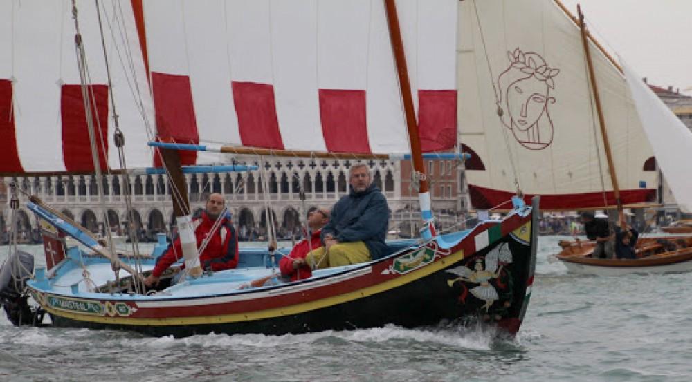 Rental Sailboat Topo chioggiotto with a permit