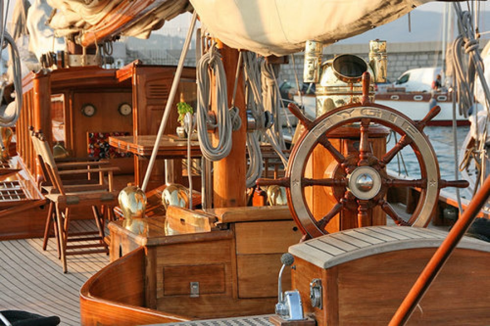 Boat rental Marseille cheap 1930