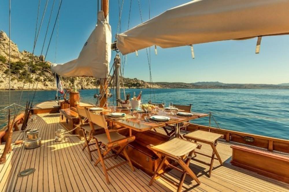 Boat rental Severi 1930 in Marseille on Samboat