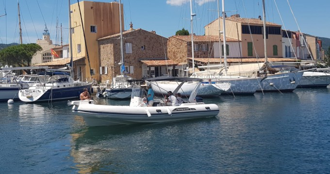 Rental yacht Grimaud - Capelli Tempest 770 on SamBoat