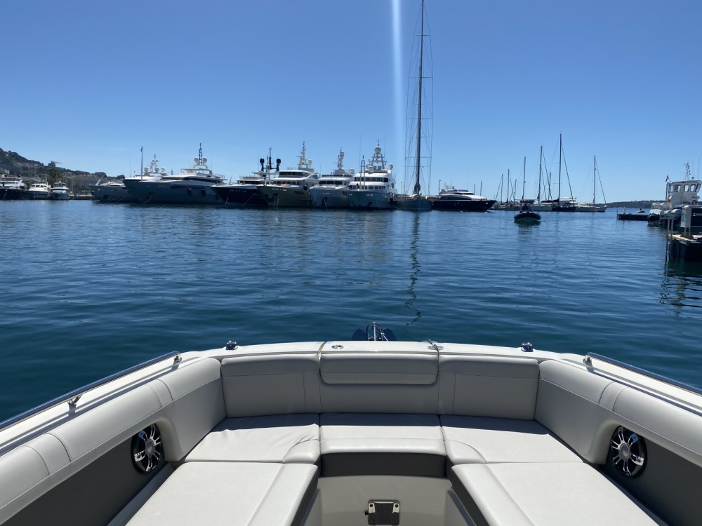 Boat rental Sea Ray SDX 270 in Cannes on Samboat