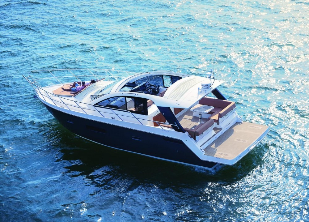 Boat rental Sealine S450 in Torrevieja on Samboat