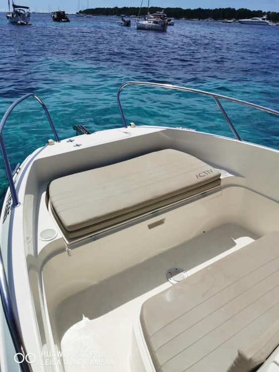 Boat rental Quicksilver Activ 605 Open in Mandelieu-la-Napoule on Samboat