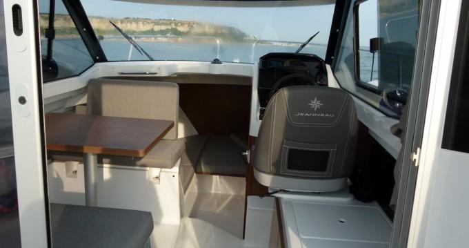 Rental Motorboat in Le Havre - Jeanneau Merry Fisher 695