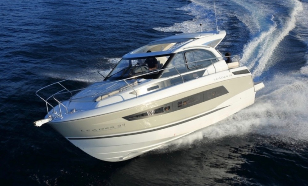 Boat rental Jeanneau Leader 33 Sportop in Bormes-les-Mimosas on Samboat