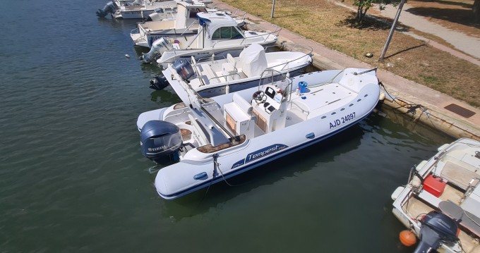 Boat rental Capelli Tempest 750 in Saint-Florent on Samboat