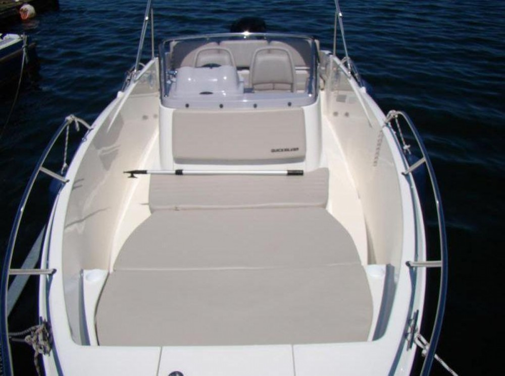 Rent a Quicksilver Activ 605 Open Marseille